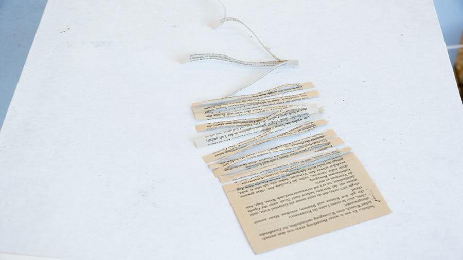 MS12 Vergessen ist notwendig 20 × 11 × 5 cm Papier / Tusche 2013